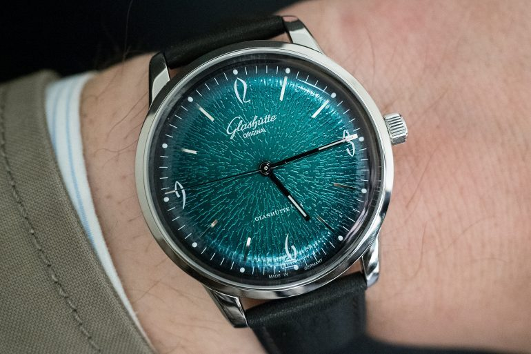 Hands-On: The Glashütte Original Sixties Ref. 1-39-52-03-02-04 With Green Dial