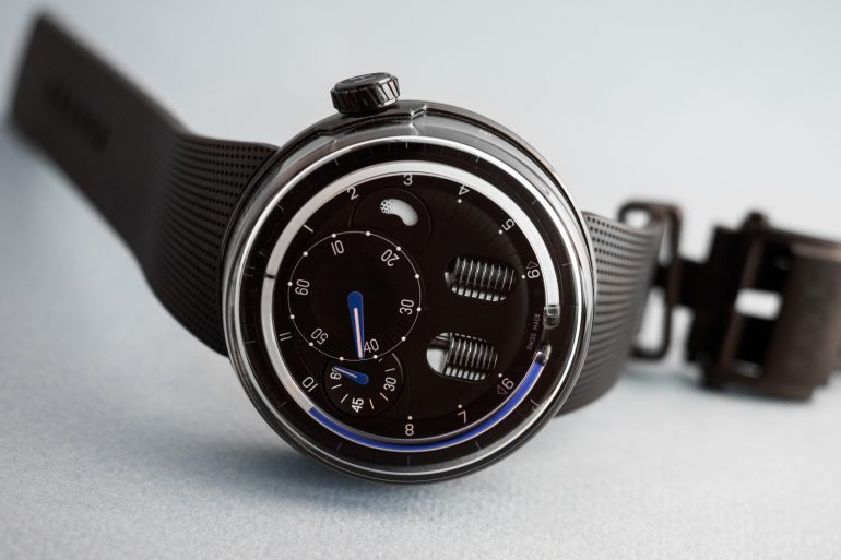Hands-On: The HYT H0 In Black And Blue