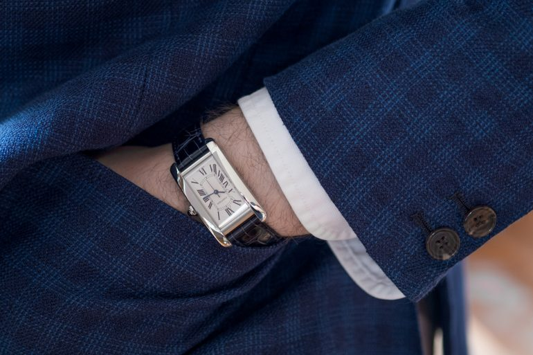 Recommended Reading: It Turns Out That Men Wearing Watches That Don't Tell The Time Is Now A Thing