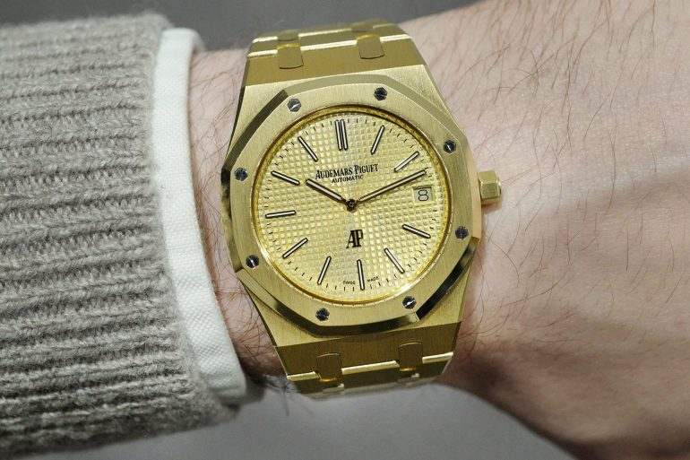 Sunday Rewind: Why You Should Pay More Attention To The Solid Gold Audemars Piguet Royal Oak 'Jumbo'
